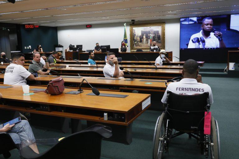 Entregadores de aplicativo apresentaram reivindicações em reunião na Câmara