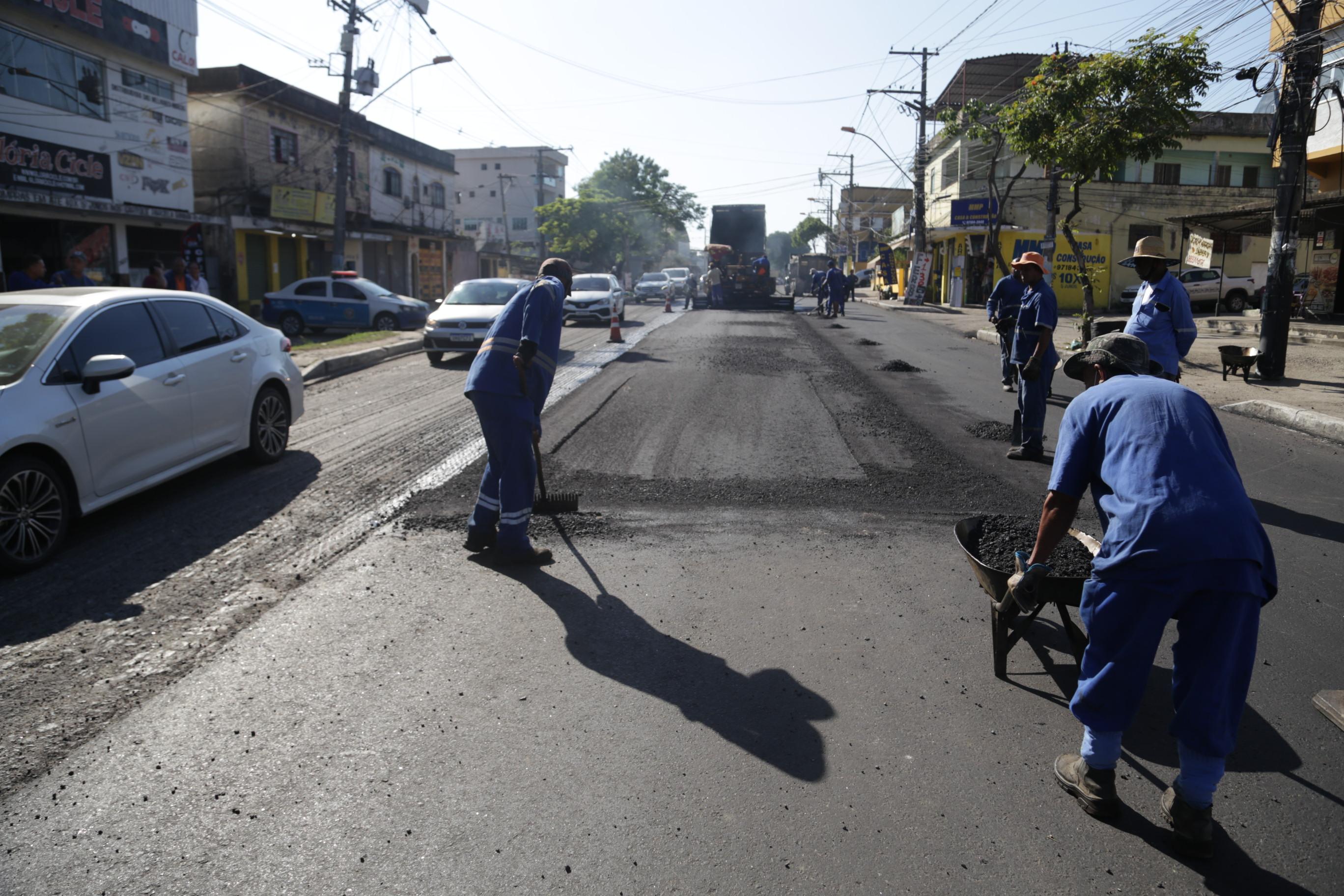 Obras de pavimentação chegam ao Lindo Parque